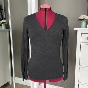 ❄️ Smart Set V-Neck Sweater